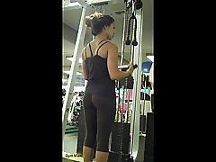 Gjennomsiktig leggings på gym