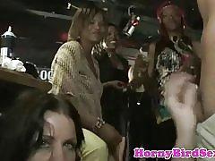 Ekte cfnm amatør facialized på fest med voyeurs