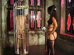 Hot ser elskerinne delilah erting og spotter henne slave